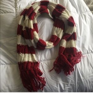 Aeropostale Accessories - Red and white scarf 🧣